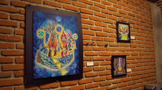 Exposición individual y taller en vida.